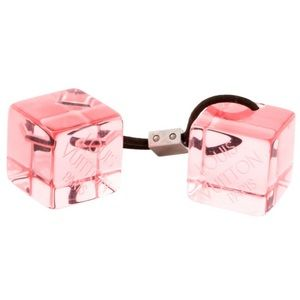Louis Vuitton Pink hair cubes with logo details.
